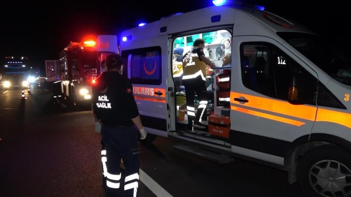 Anadolu Otoyolu'nun Düzce kesiminde zincirleme trafik kazası