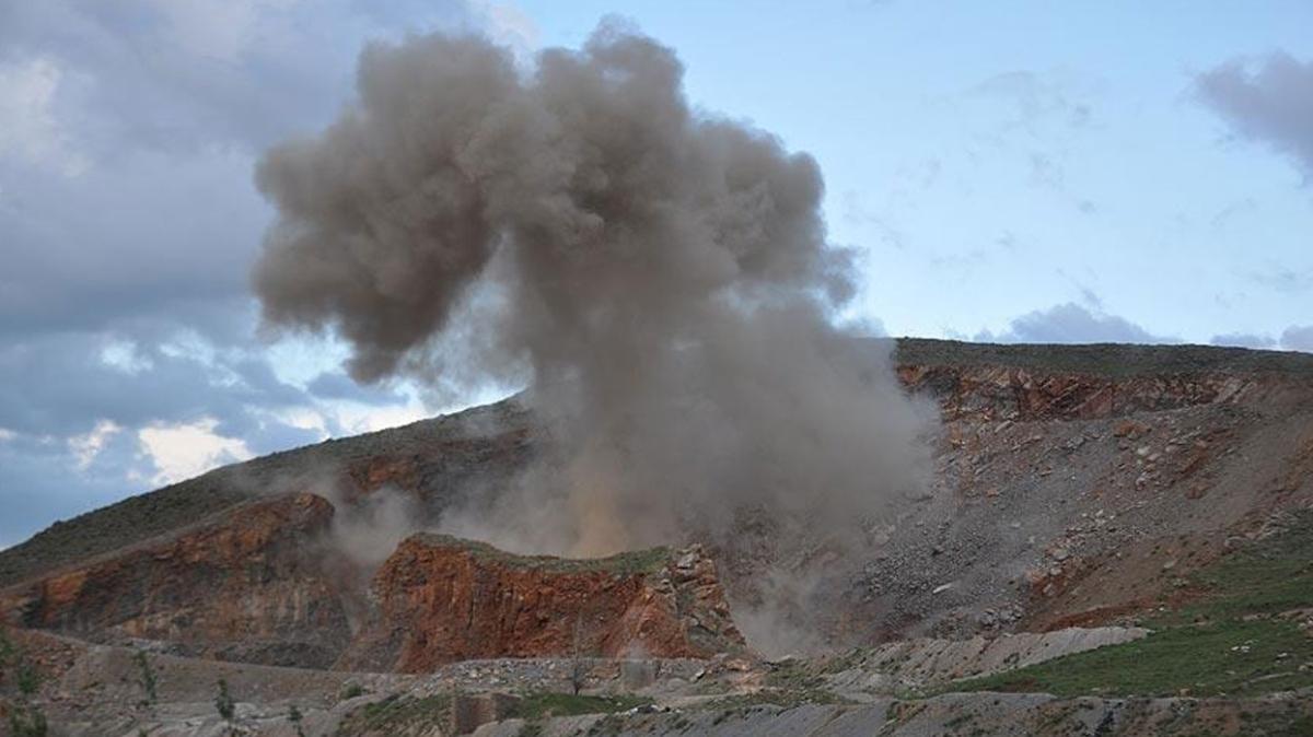 Barış Pınarı bölgesinde araçtaki bomba imha edildi