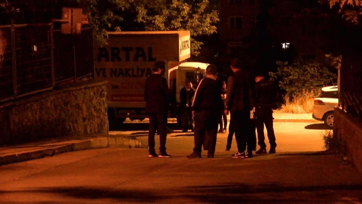 İstanbul'da iki grup arasında kalaşnikoflu çatışma