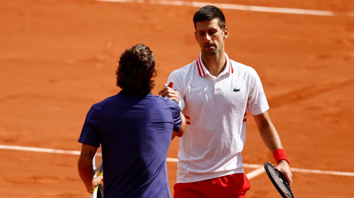 Rakibi sakatlanan Novak Djokovic, Fransa Açık'ta çeyrek finalde