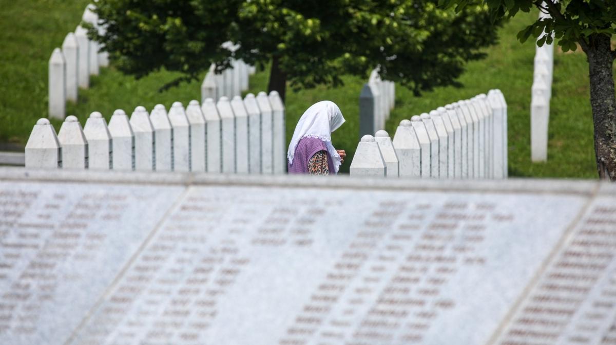 Gözler Lahey'de! Bosna Kasabı için karar günü