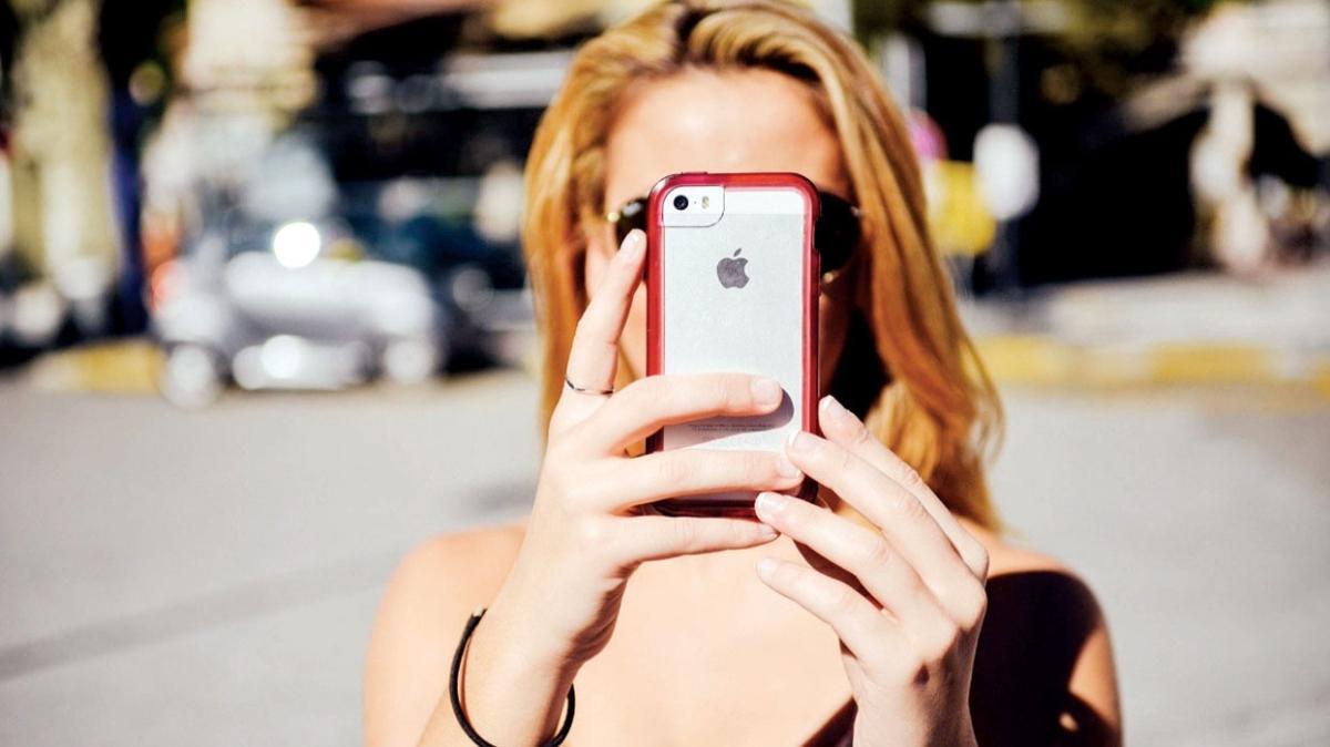 Apple'a 'müstehcen' fotoğraf tazminatı