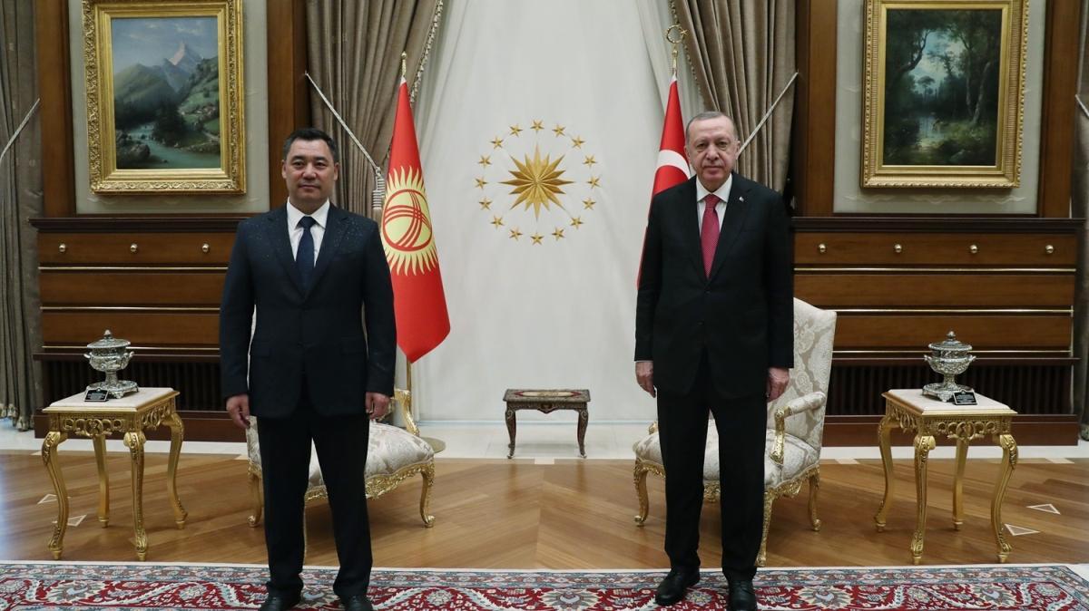 Başkan Erdoğan, Kırgızistan Cumhurbaşkanı Caparov'u resmi törenle karşıladı