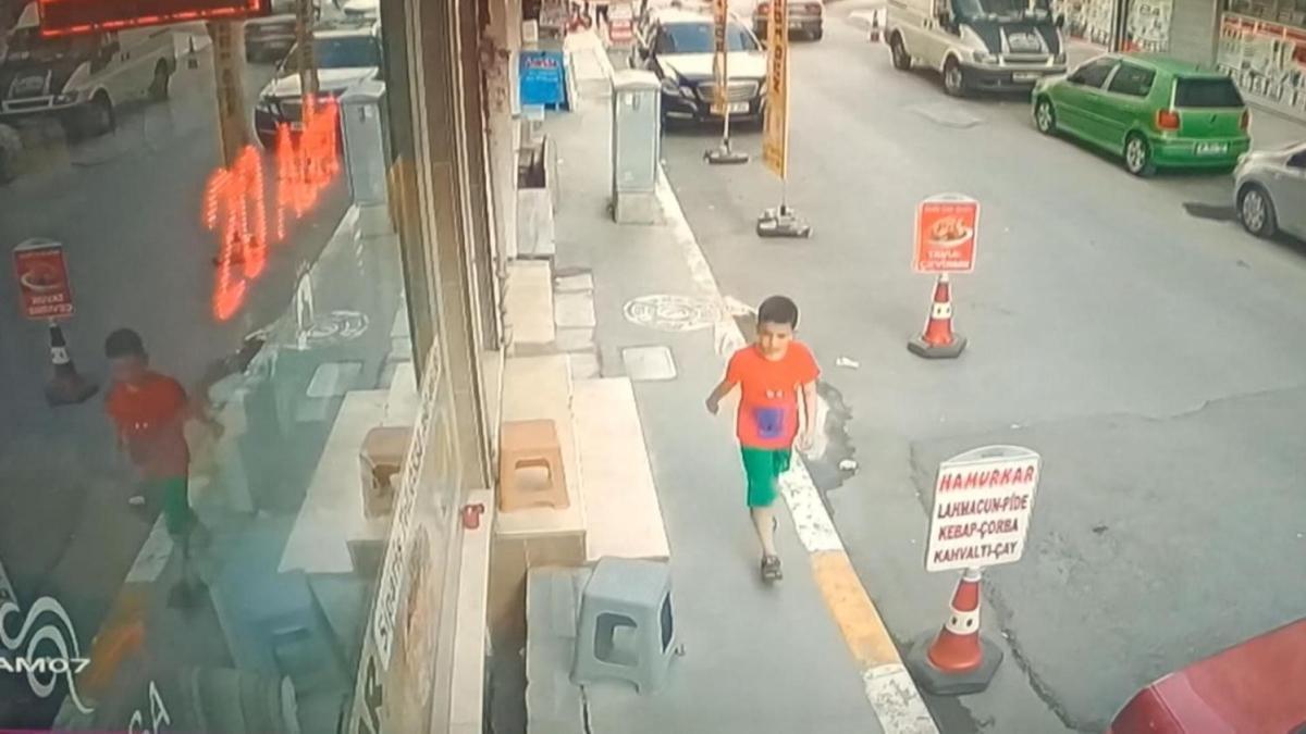 İhmal kurbanı olacaktı: Küçük Ahmet 10 metre yükseklikten düştü