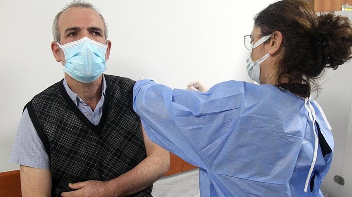 Koronavirüse karşı aşılamada son durum... Son 24 saatte 350 bin 462 doz uygulandı