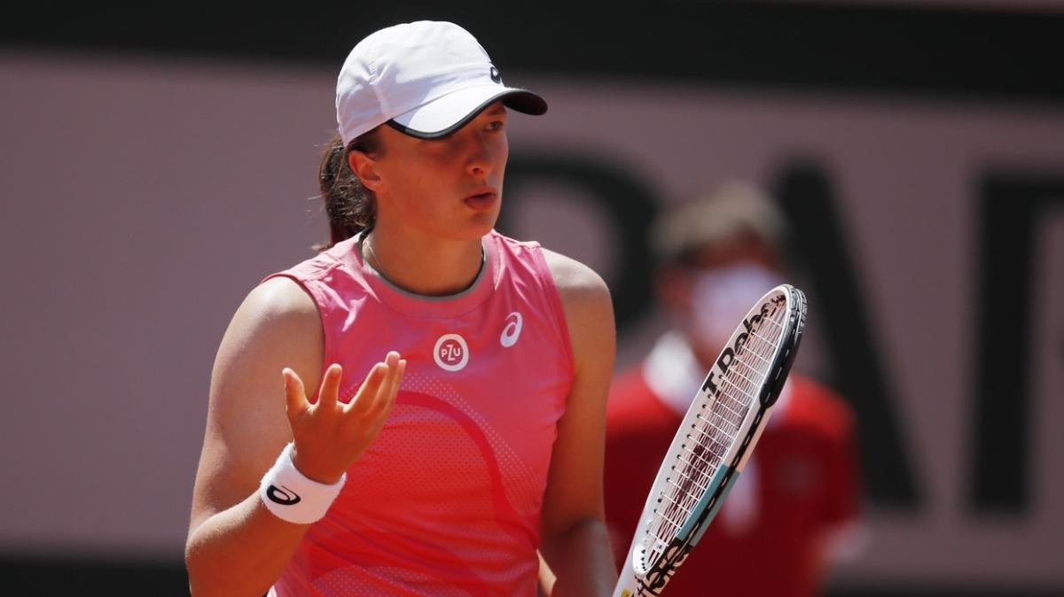 Son şampiyon Iga Swiatek, Roland Garros'a çeyrek finalde veda etti