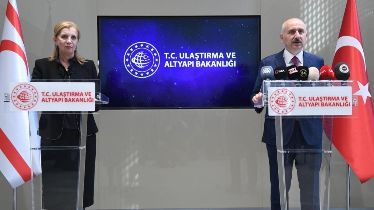 """Ulaştırma ve Altyapı Bakanı Karaismailoğlu'dan """"Ercan Havalimanı"""" açıklaması"""