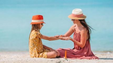 Birçok anne aynı hatayı yapıyor! Güneş kremi seçerken dikkat