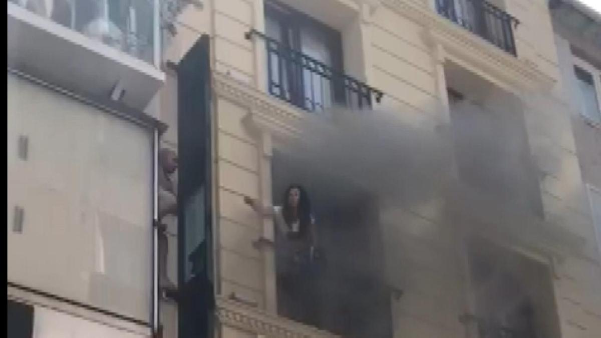 Fatih'te otelde yangın