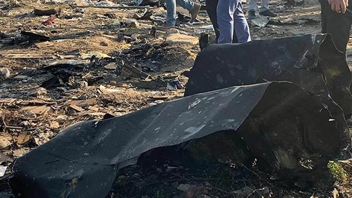 Myanmar'da askeri uçak düştü: 12 ölü, 16 yaralı