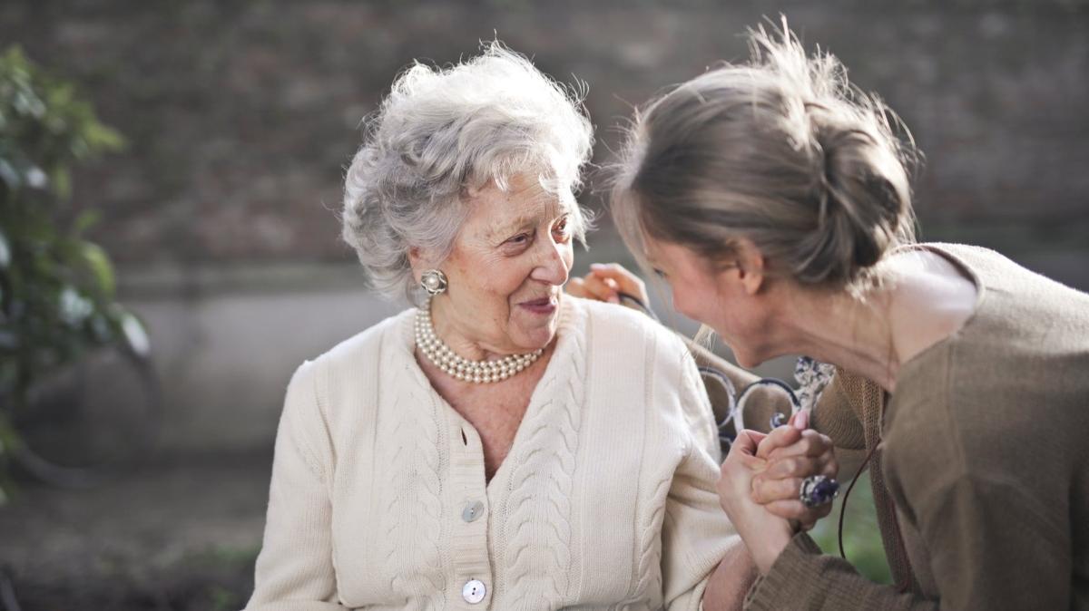 Yaşlıları mutlu etmenin 3 basit yolu