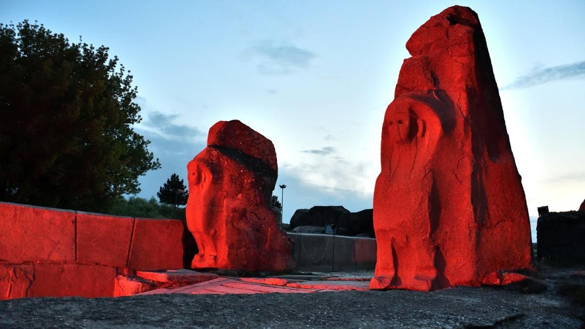 Alacahöyük'te Türk Kızılay ışıklandırması