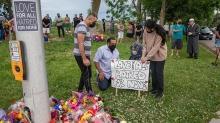 Kanada'da terör saldırısına kurban gitmişlerdi... Müslüman aile için cenaze töreni düzenlendi