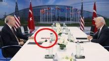Başkan Erdoğan-Biden zirvesinde dikkat çeken kitap: ''Türkiye'nin Terörizmle Mücadelesi  kitabı