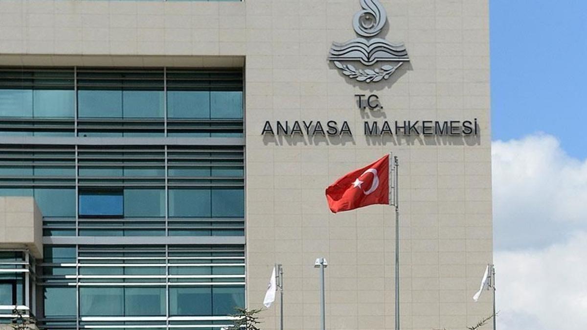 """İletişim Başkanlığının """"bilgi toplama"""" yetkisinin iptalini isteyen CHP'ye Anayasa Mahkemesi'nden ret"""