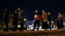 İzmir'de aşı sırası akşam da sürüyor