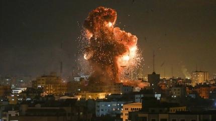 İsrail savaş uçakları Gazze Şeridi'ne saldırdı
