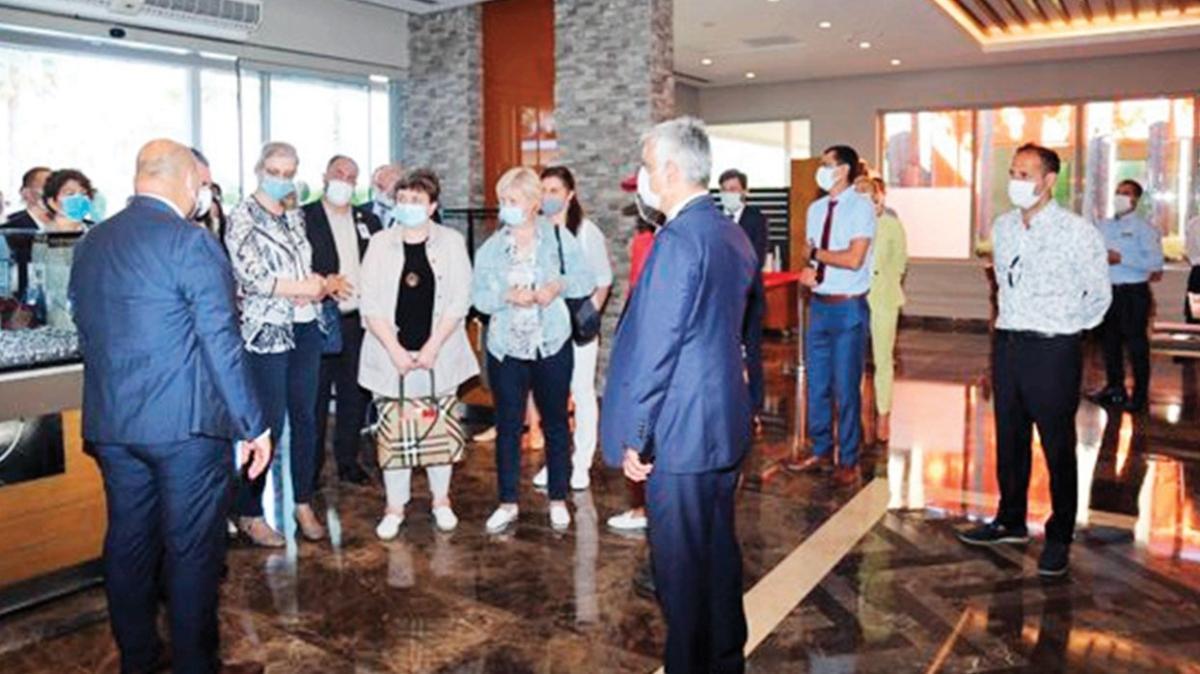 Rus heyet otelleri gezdi