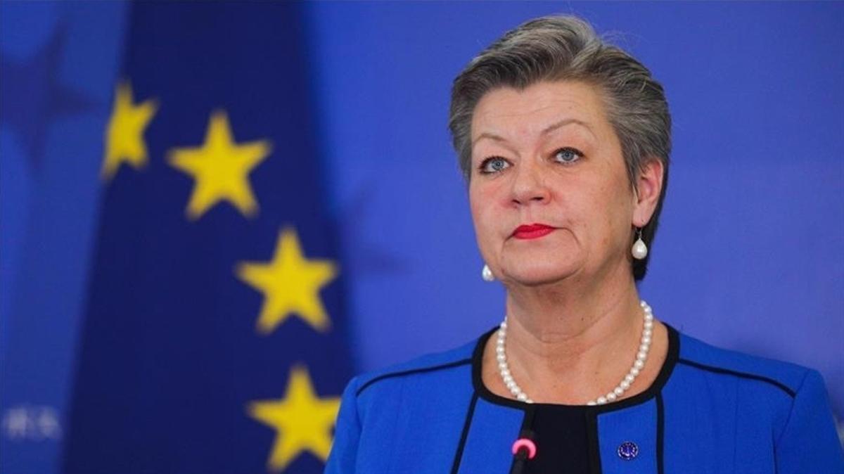 AB'li yetkiliden Yunanistan'a tepki: Şiddeti ve geri itmeleri sistematik olarak kullanıyor