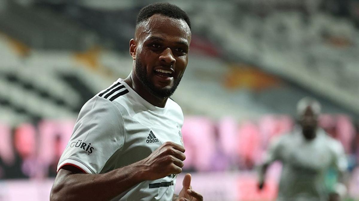 Beşiktaş'ın sözleşme teklifine Larin'den yanıt gelmedi