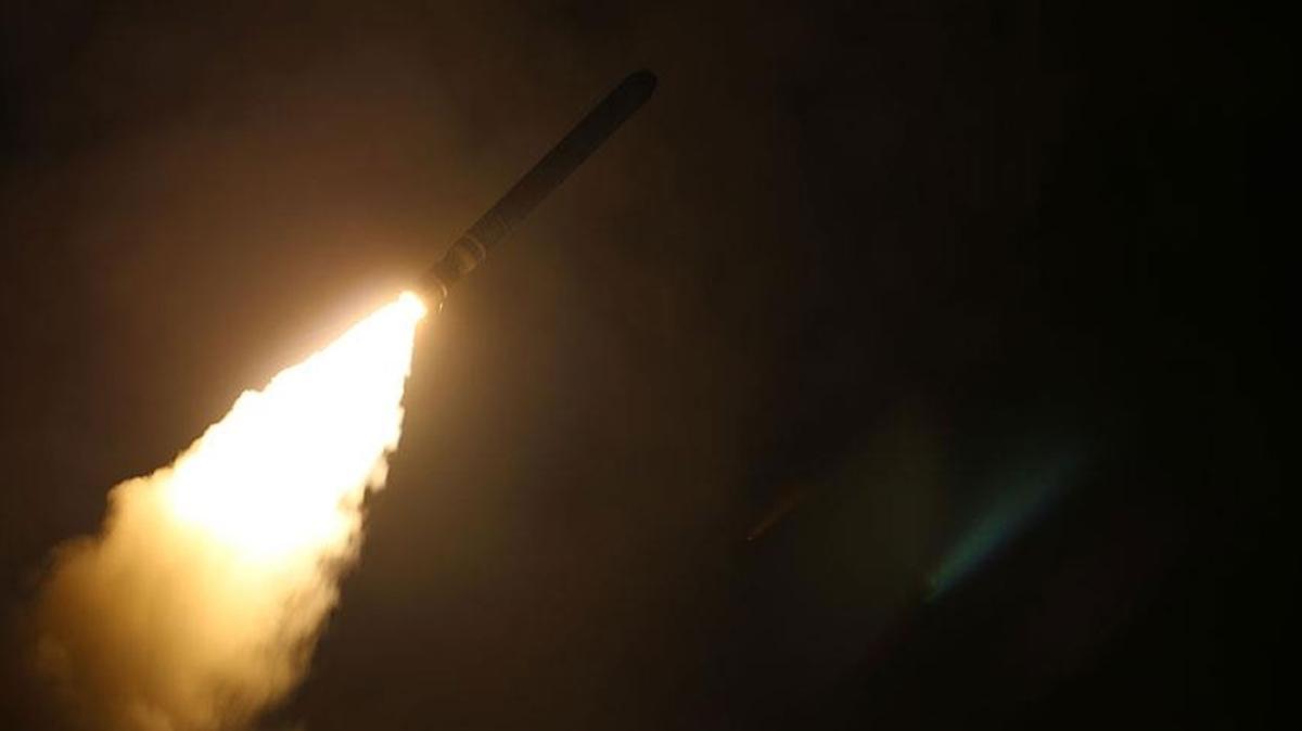 Esed rejiminden ABD sahasına füzeli saldırı