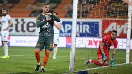 Galatasaray'da Salih Uçan yerine o isim geliyor