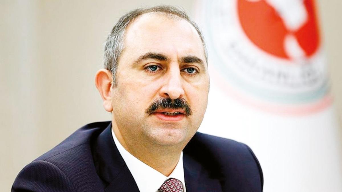 Adalet Bakanı Abdulhamit Gül: Vesayetle mücadele anayasayla taçlanmalı