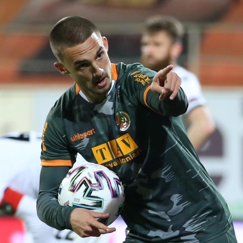 Son dakika transfer haberi: Galatasaray, Berkan Kutlu için yaptığı teklifi güncelledi