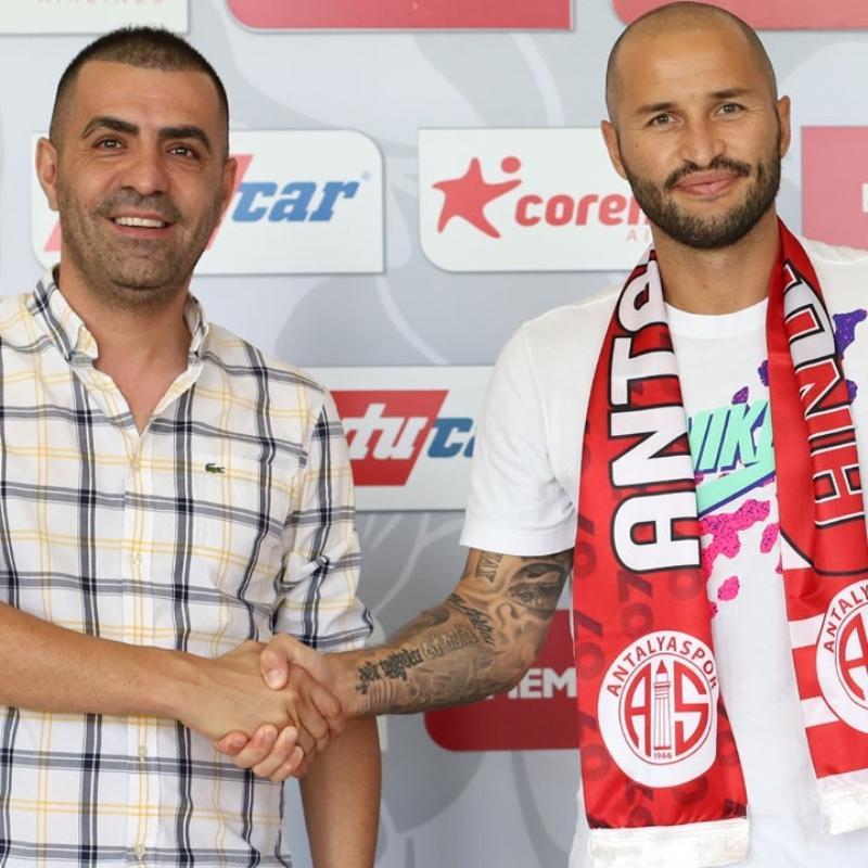 Antalyaspor Fedor Kudriashov ile yeniden anlaşma sağladı