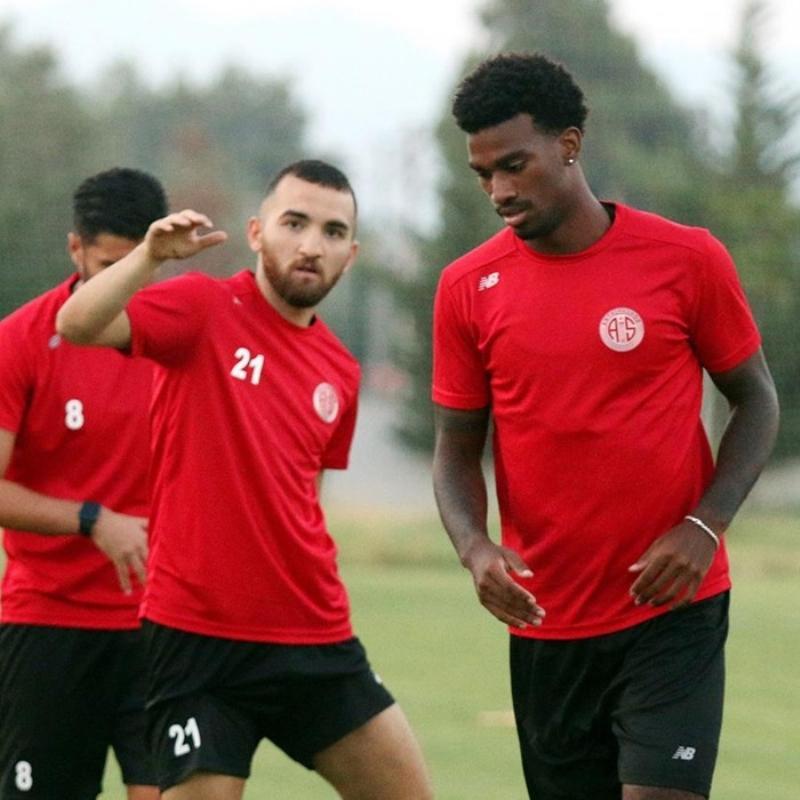 Antalyaspor'da 10 transfer, 9 ayrılık