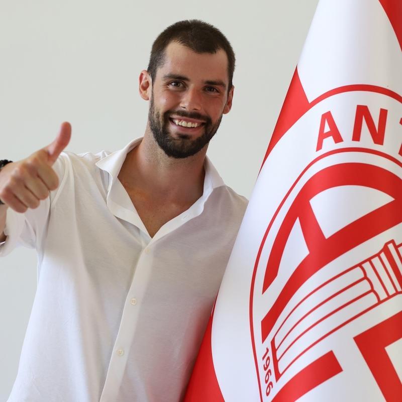 Antalyaspor'dan transfer bombası! Andrea Poli'den 3 yıllık imza...