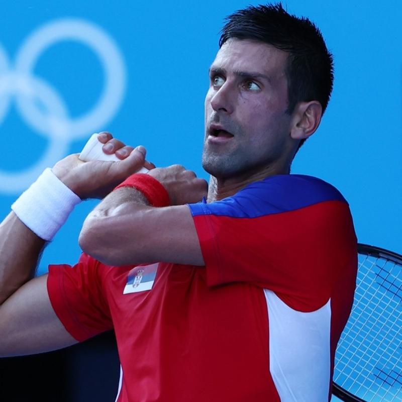 Djokovic zorlanmadan turladı