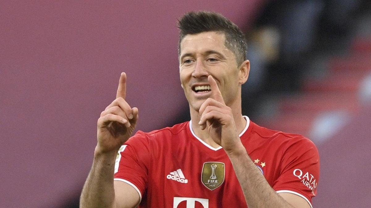 Almanya'da yılın futbolcusu ödülü beklendiği gibi Robert Lewandowski'nin oldu