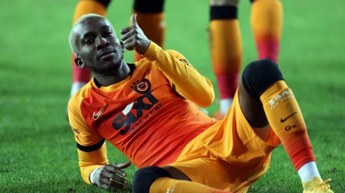 Henry Onyekuru, Olympiakos ile 4 yıllığına anlaştı