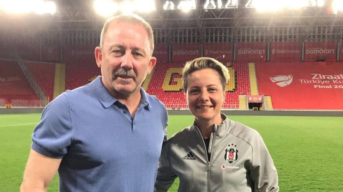 Beşiktaş Kadın Futbol Takımı'nda Bahar Özgüvenç ile yollar ayrıldı