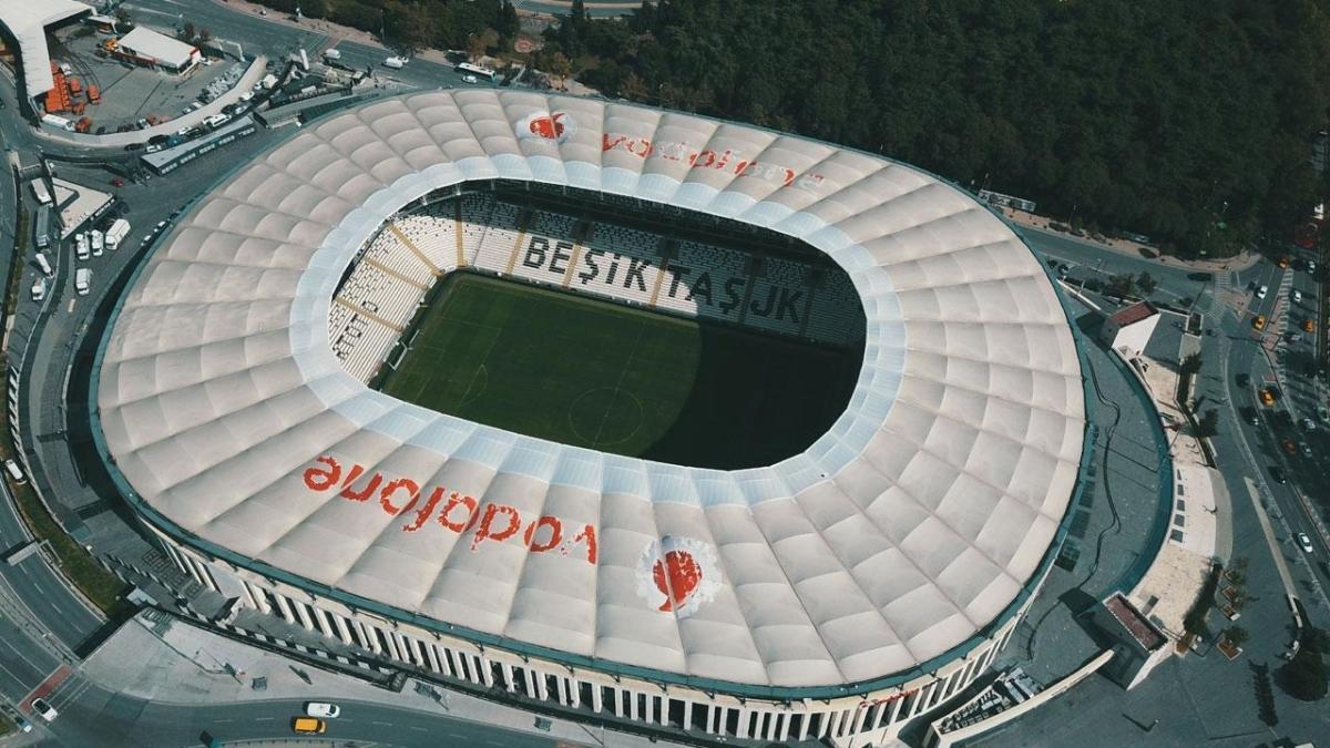 Beşiktaş'ta tribün isim sponsoru değişti