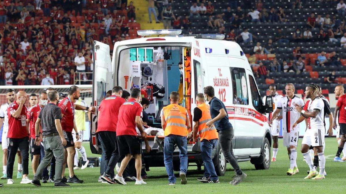 Gaziantep - Beşiktaş maçında Fabrice N'Sakala fenalaştı