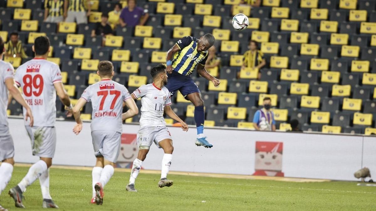 Fenerbahçe ile Antalyaspor sosyal medyadan göndermede bulundu