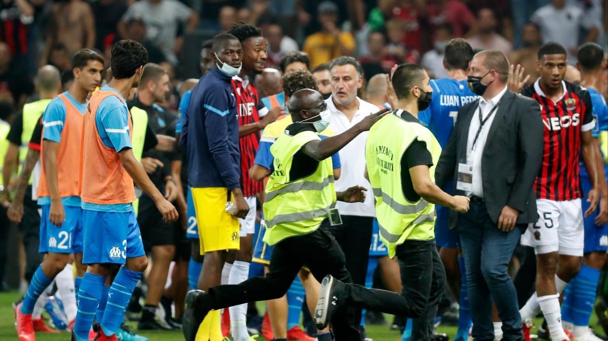 Nice-Marsilya maçında ortalık karıştı