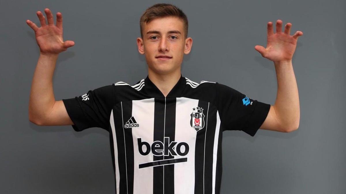 Beşiktaş genç yıldızını kiralık olarak gönderdi