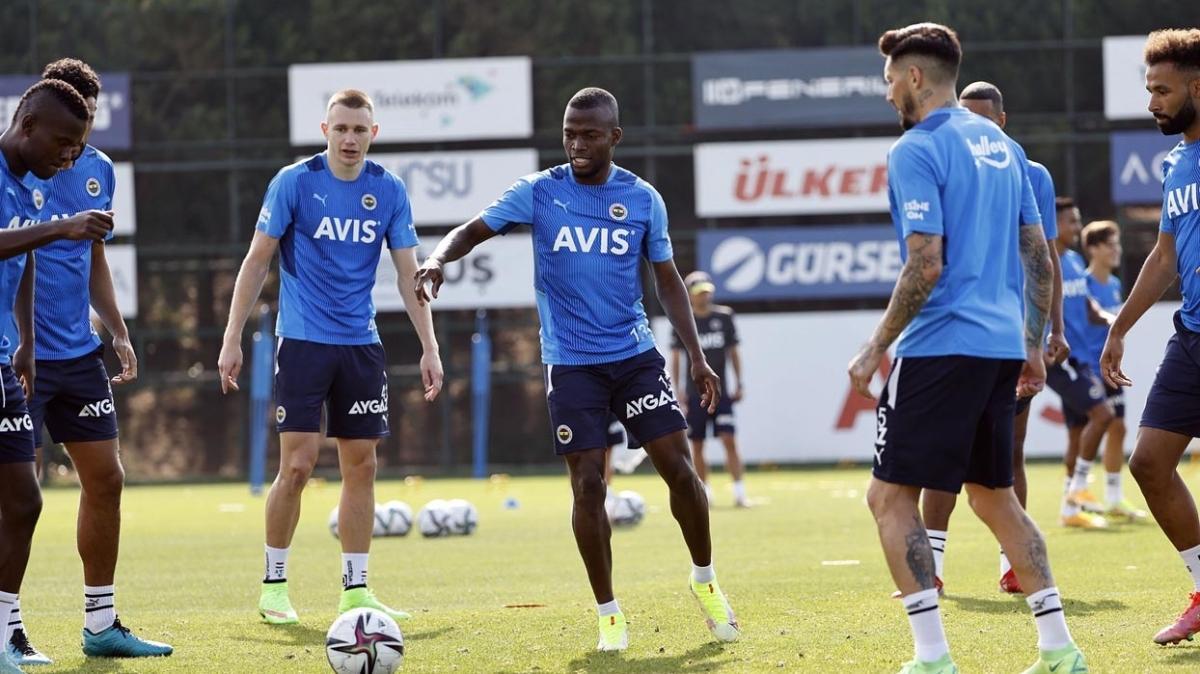 Fenerbahçe'de hazırlıklar son sürat devam ediyor