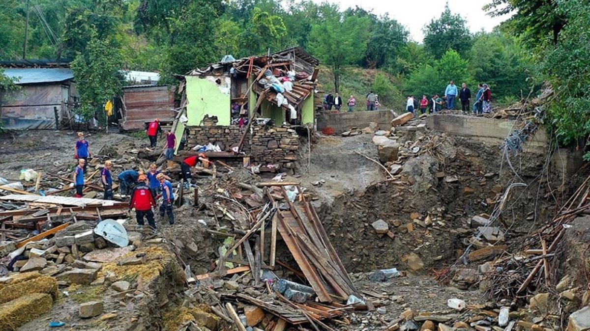 AFAD acı tabloyu duyurdu: Sel nedeniyle 82 kişi hayatını kaybetti