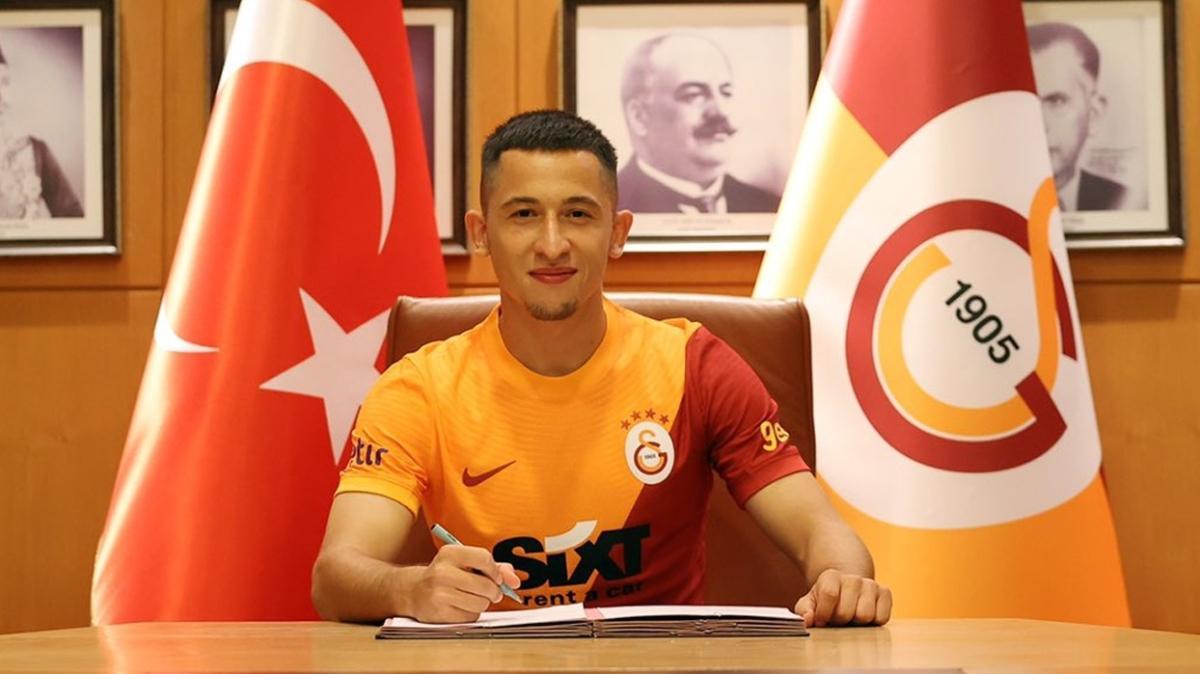 Galatasaray, Olimpiu Morutan'ı 3,5 milyon euroya transfer ettiğini açıkladı