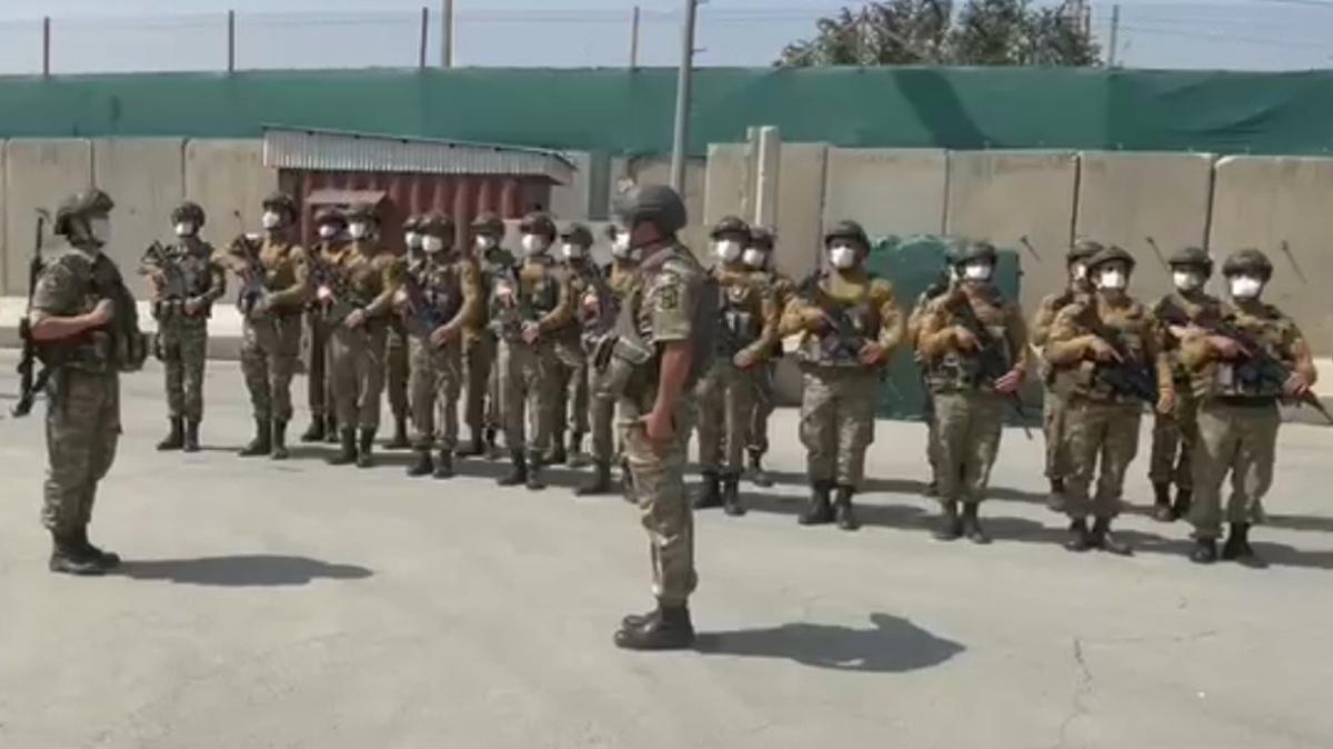 Afganistan'daki Azerbaycan askerleri ülkeden ayrıldı