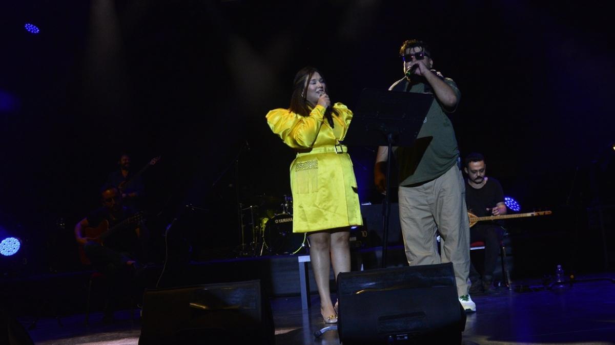Bursa Festivali'nde Eypio ve Tuğçe Kandemir sahne aldı