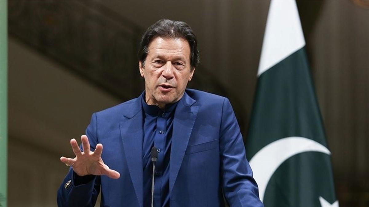 """Pakistan Başbakanı İmran Han'dan barış çağrısı: """"Dünya Afganistan'a yardım etmeli"""""""