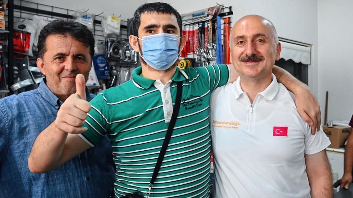 Ulaştırma ve Altyapı Bakanı Karaismailoğlu sel felaketinin yaşandığı Sinop'ta incelemelerde bulundu