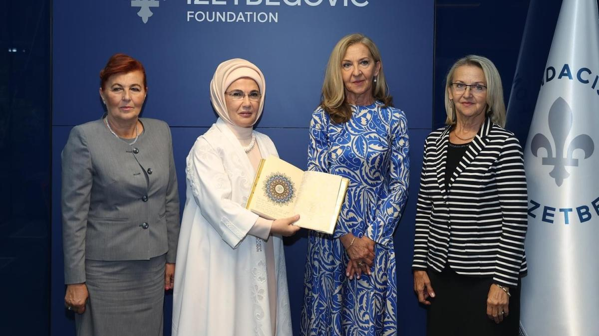 Emine Erdoğan'dan Aliya İzzetbegoviç Vakfına ziyaret