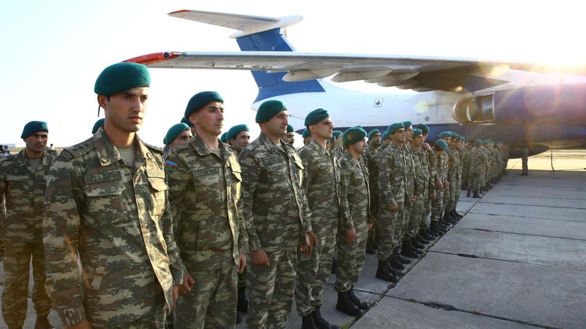 Kabil'den dönüş yapan Azerbaycan askerleri Bakü'de