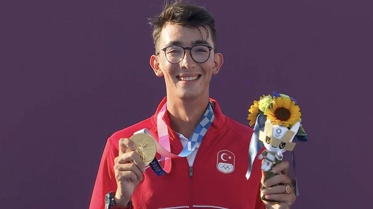 """Mete Gazoz kimdir, kaç yaşında, nereli"""" Olimpiyat Şampiyonu Mete Gazoz başarıları!"""